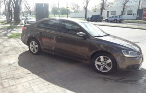 VOLKSWAGEN VENTO 2.5 MANUAL 2012 105000KM (4)
